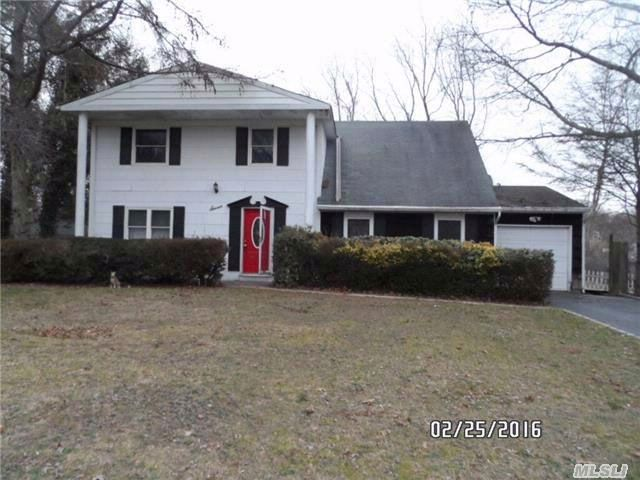 4 BR,  1.50 BTH  Colonial style home in Coram